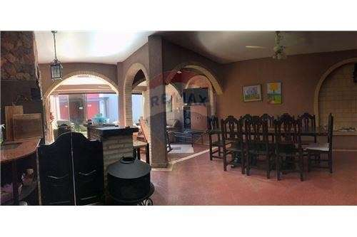 Casa en Fernando de la Mora zona Norte cod 137 - 2