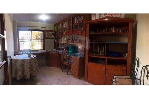 Casa en Fernando de la Mora zona Norte cod 137 - 5