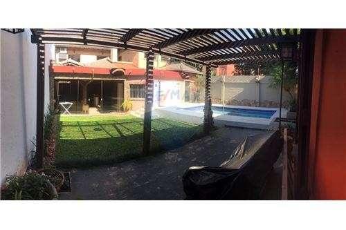 Casa en Fernando de la Mora zona Norte cod 137 - 1