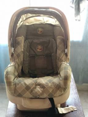 Baby seat con soporte para auto