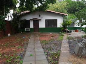 Chalet para vivienda u oficina barrio Mcal. Estigarribia