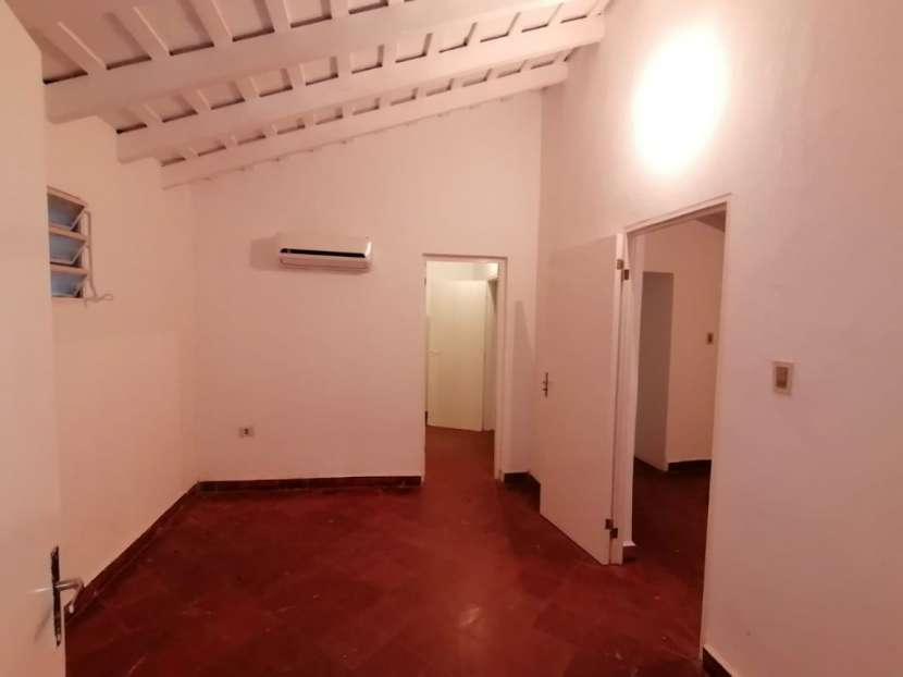 Chalet para vivienda u oficina barrio Mcal. Estigarribia - 3
