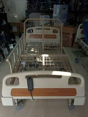 Cama hospitalaria de 3 movimientos eléctrico con colchón