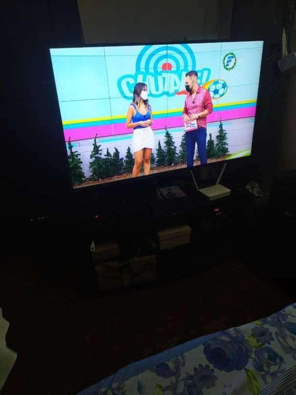 Smart TV LG UHD de 55 pulgadas - 0