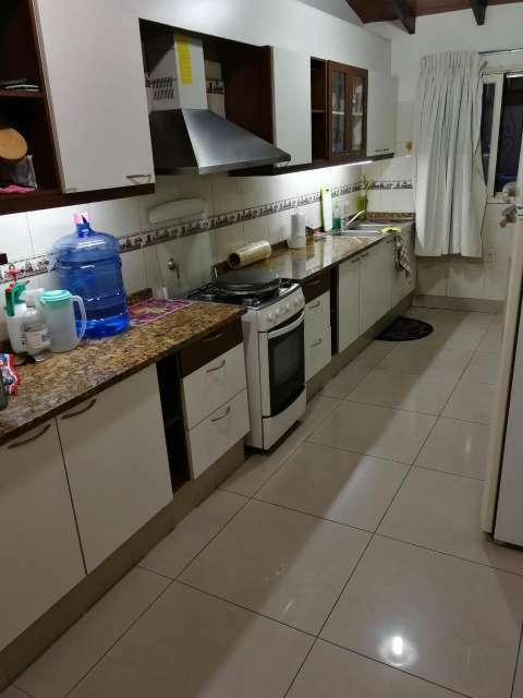 Casa de una planta en el barrio Mburicaó - 2