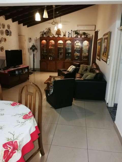 Casa de una planta en el barrio Mburicaó - 6