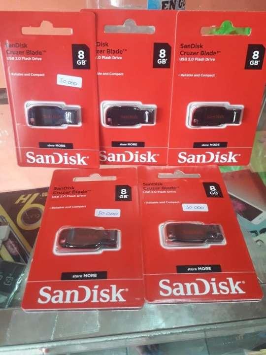 Pendrive de 8 GB SanDisk - 0