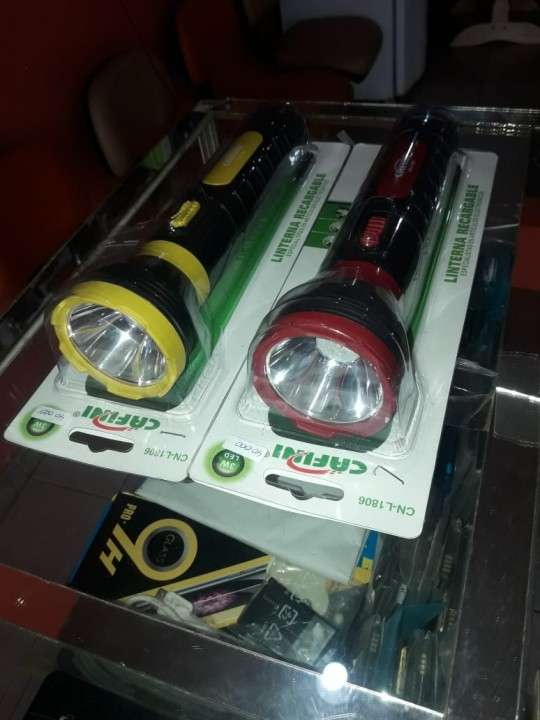 Linterna LED Cafini recargable - 0
