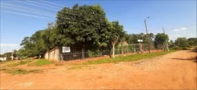 Casa quinta en Luque Mora Cue MOC-0103