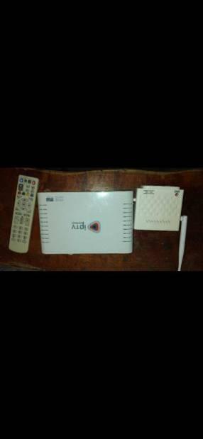 Equipo de IPTV y router