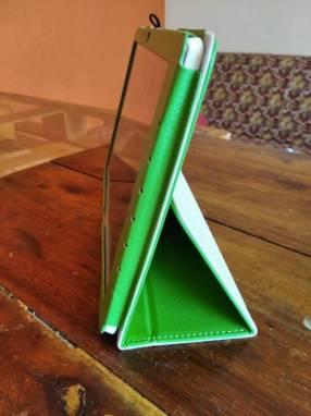 Tablet Acer Iconia b3 A40 con protector y funda