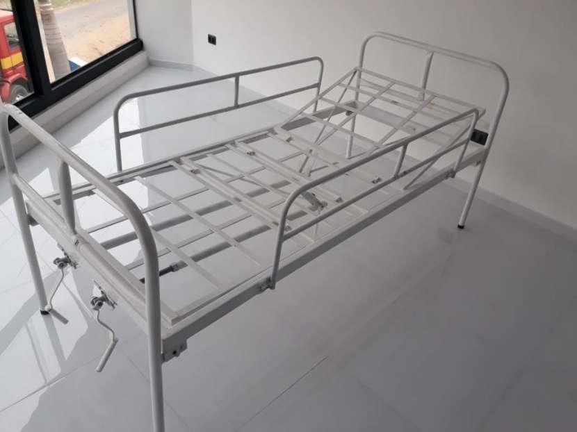 Cama de 2 movimientos manual con colchón de base - 0