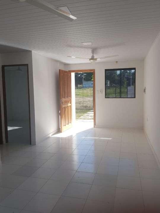 Construcción de casa minimalista 50 m2 - 2