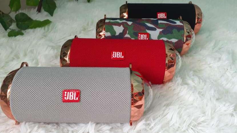 Parlantes JBL - 0