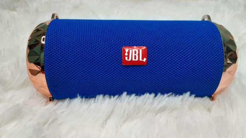 Parlantes JBL - 3