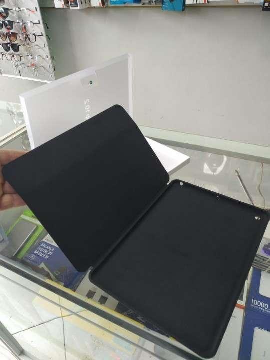 Protectores y laminas para iPad 7ma y 8va generación - 1