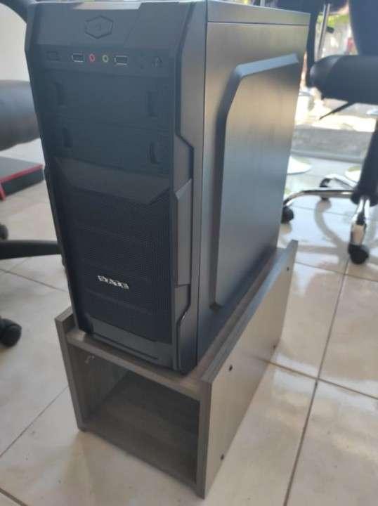 Soporte para CPU Teca Italia - 2
