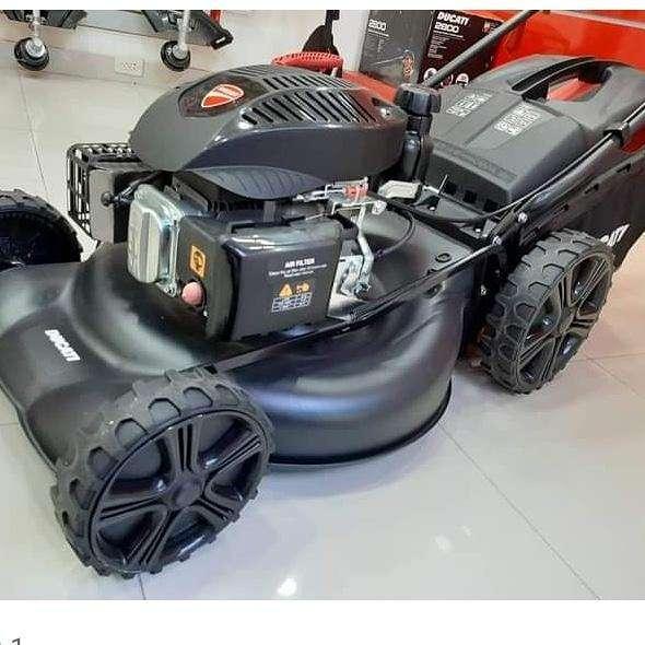 Cortacésped Ducati de 6 HP - 0