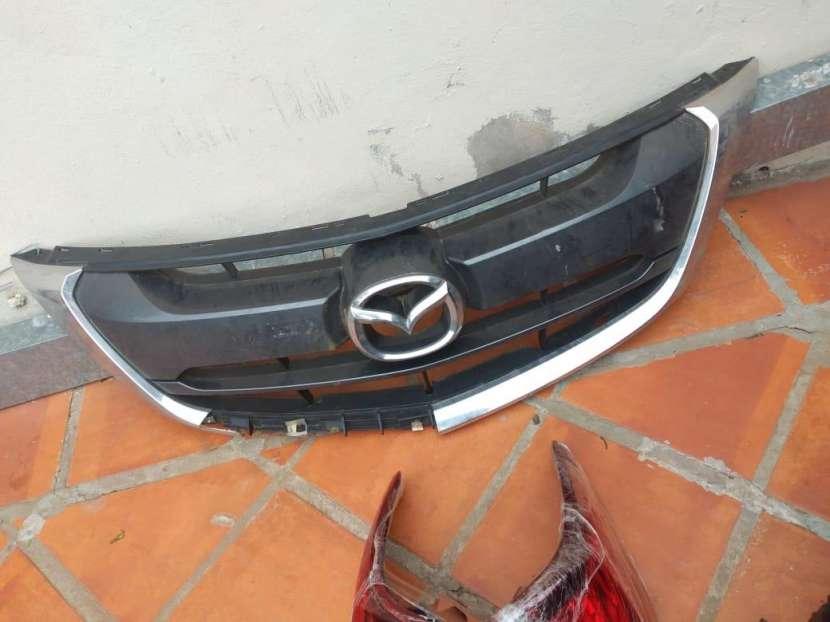 Faros y parrilla de Mazda BT-50 2017-2020 - 1