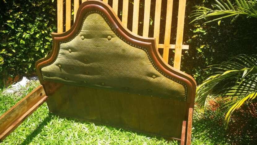 Cama de 2 plazas 1.20 x 2.00 mts con colchón y 2 mesitas - 1