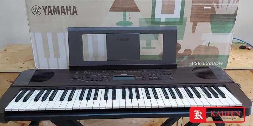 Teclado Yamaha PSR-E360DW - 0