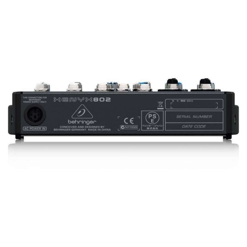 Consola Behringer Xenyx 802 - 1