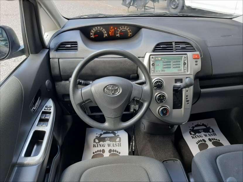 Toyota Ractis 2010 - 0