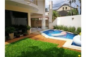 Duplex amoblado con piscina