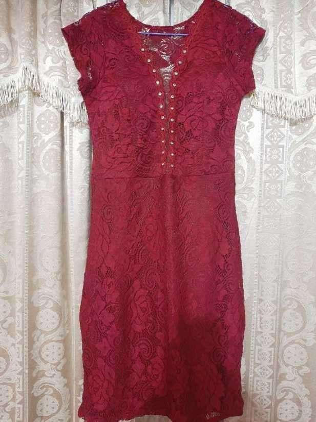 Vestido de encaje rojo talle M - 0