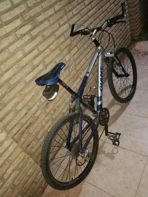 Bicicleta Giant ATX7 - 0