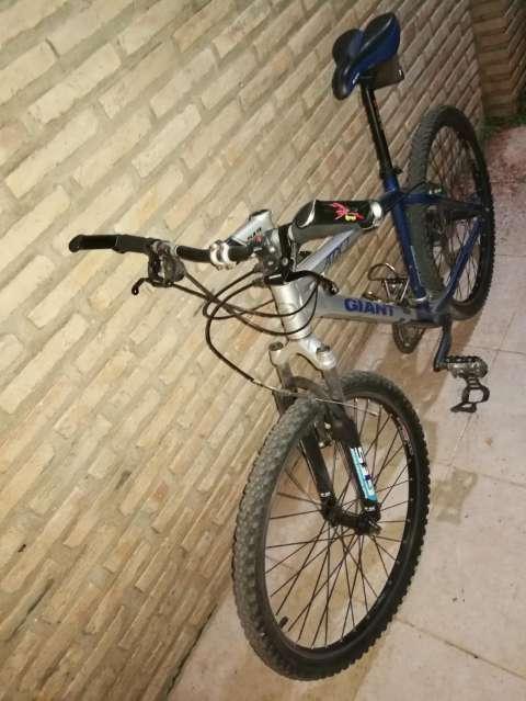 Bicicleta Giant ATX7 - 2