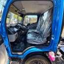 Mitsubishi Fuso Canter 2019 color azul - 4