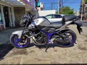 Moto Yamaha MT03 2016