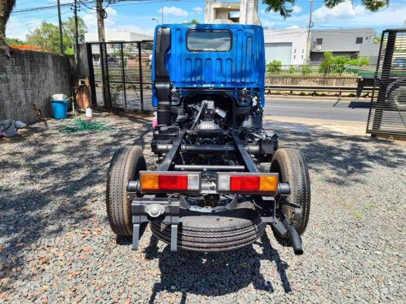 Mitsubishi Fuso Canter 2019 color azul - 3
