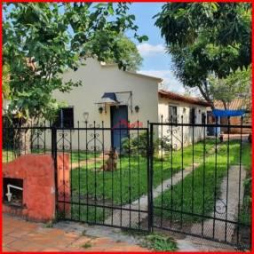 Casa a demoler en Luque zona Conmebol MOC-0107