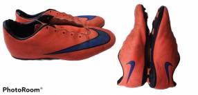 Botines Puma y Nike