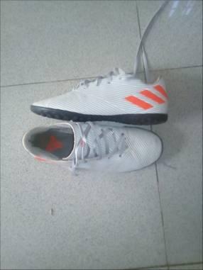 Botín todo terreno Adidas Nemeziz calce 38
