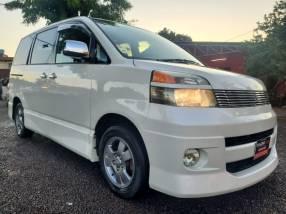 Toyota Voxy 2004