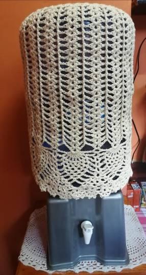 Funda en crochet para galón de agua