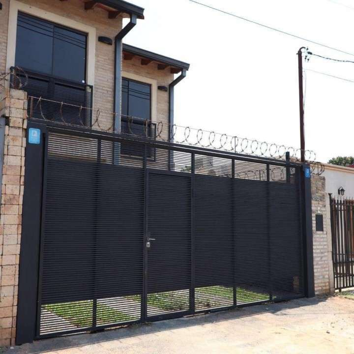 Casa sobre Coronel Martínez zona Santa Teresa - 7