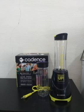 Licuadora Cadence Shake Up BLD700-220-1 300W