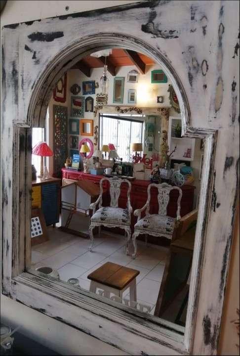 Espejos con marcos de ventana - 0