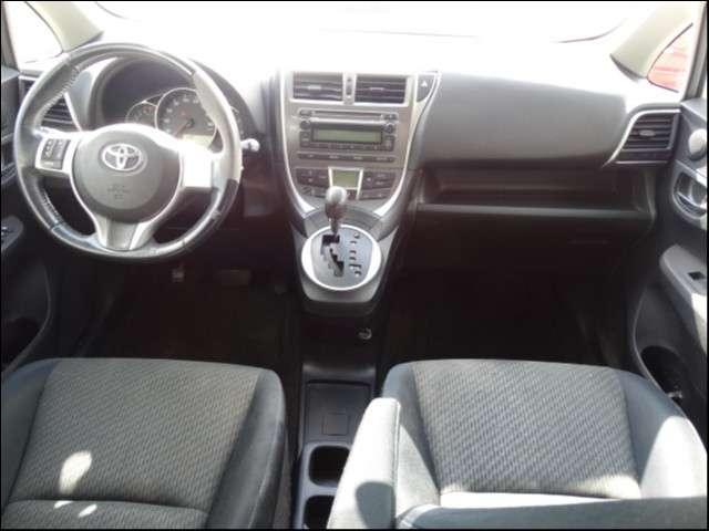 Toyota Ractis 2011 - 4