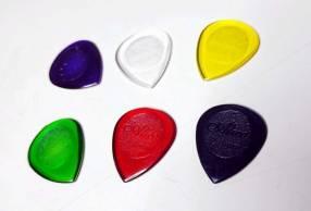 Púas para guitarra de 2mm y 3mm