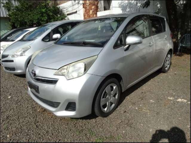 Toyota Ractis 2011 - 0