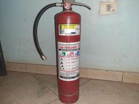 Extintor de fuego - 1