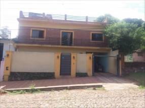 Casa de 3 plantas en Ñemby zona Coca Cola
