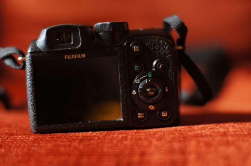 Cámara semiprofesional Fujifilm Finepix S1500 filma usada - 1