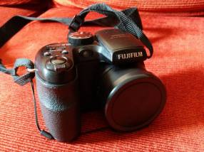 Cámara semiprofesional Fujifilm Finepix S1500 filma usada
