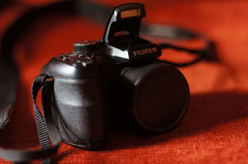 Cámara semiprofesional Fujifilm Finepix S1500 filma usada - 3